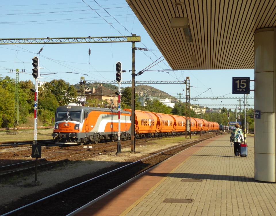 freight train in kelenfold