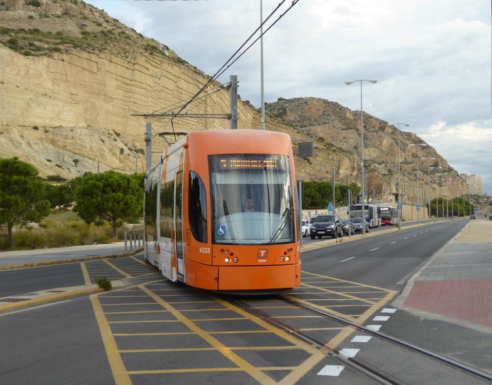 Alicante tram la marina