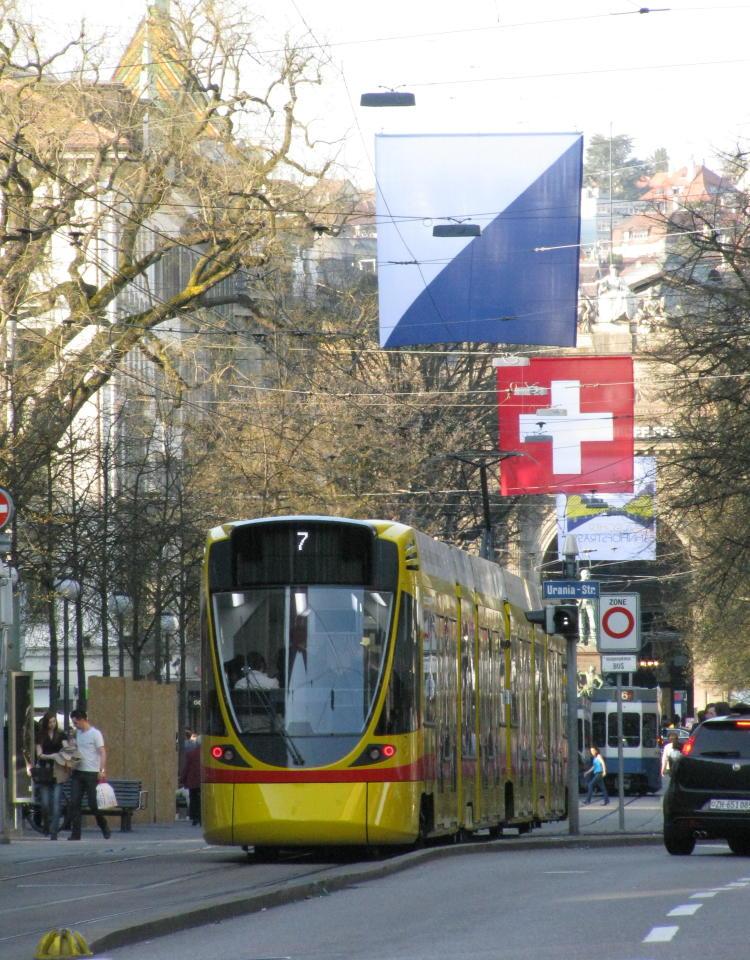 tango tram bahnhofstrasse zurich