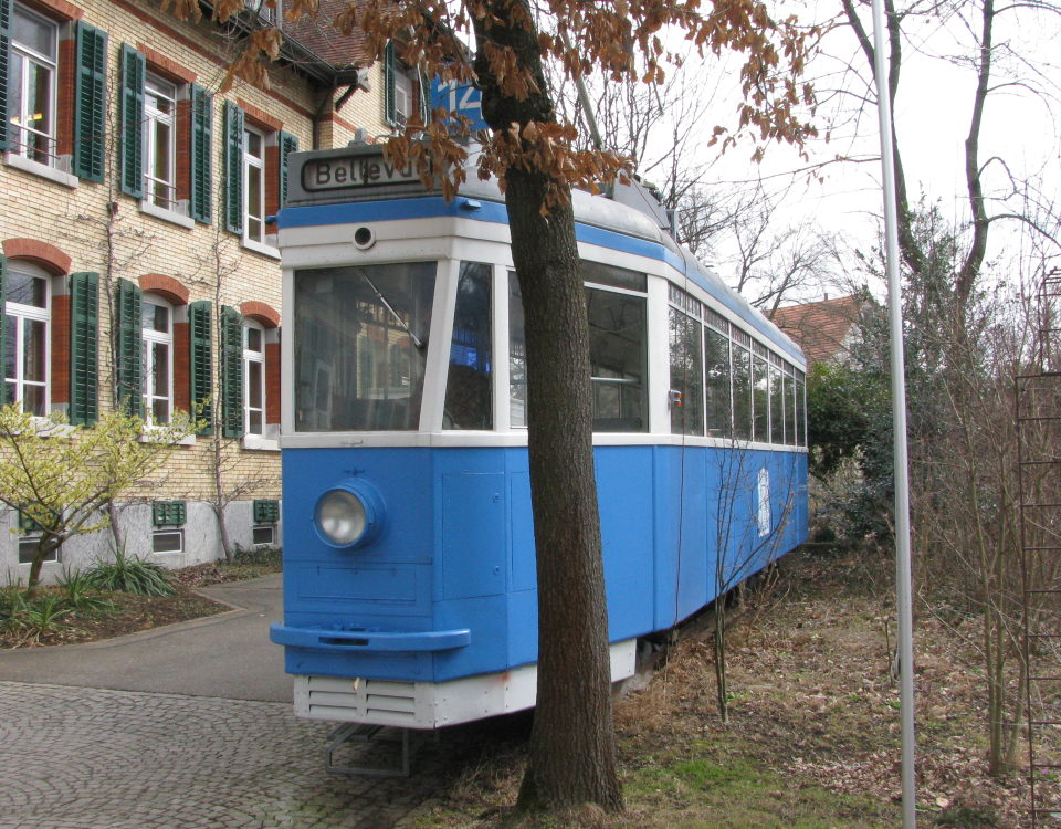 Pedaler tram 1517 at Wagerenhof in Uster