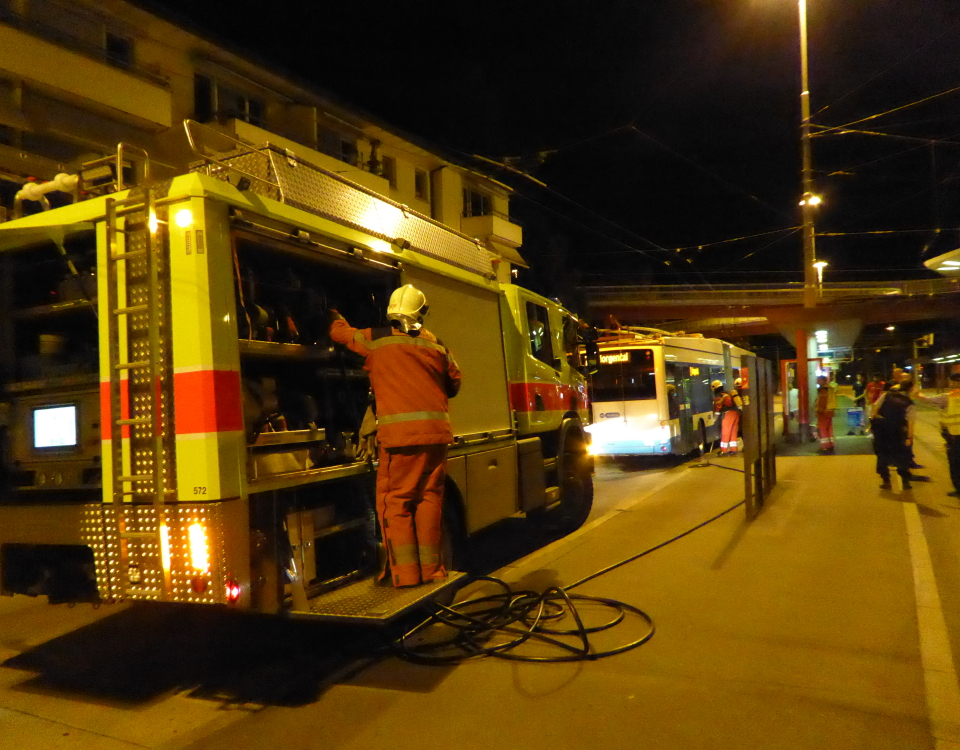 fire brigade attends to trolleybus at bucheggplatz
